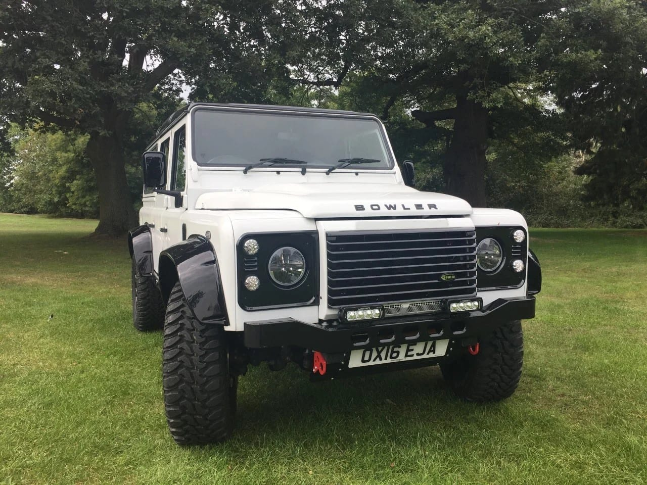 2016(16) Land Rover DEFENDER 110 BOWLER 180bhp 110 Station Wagon