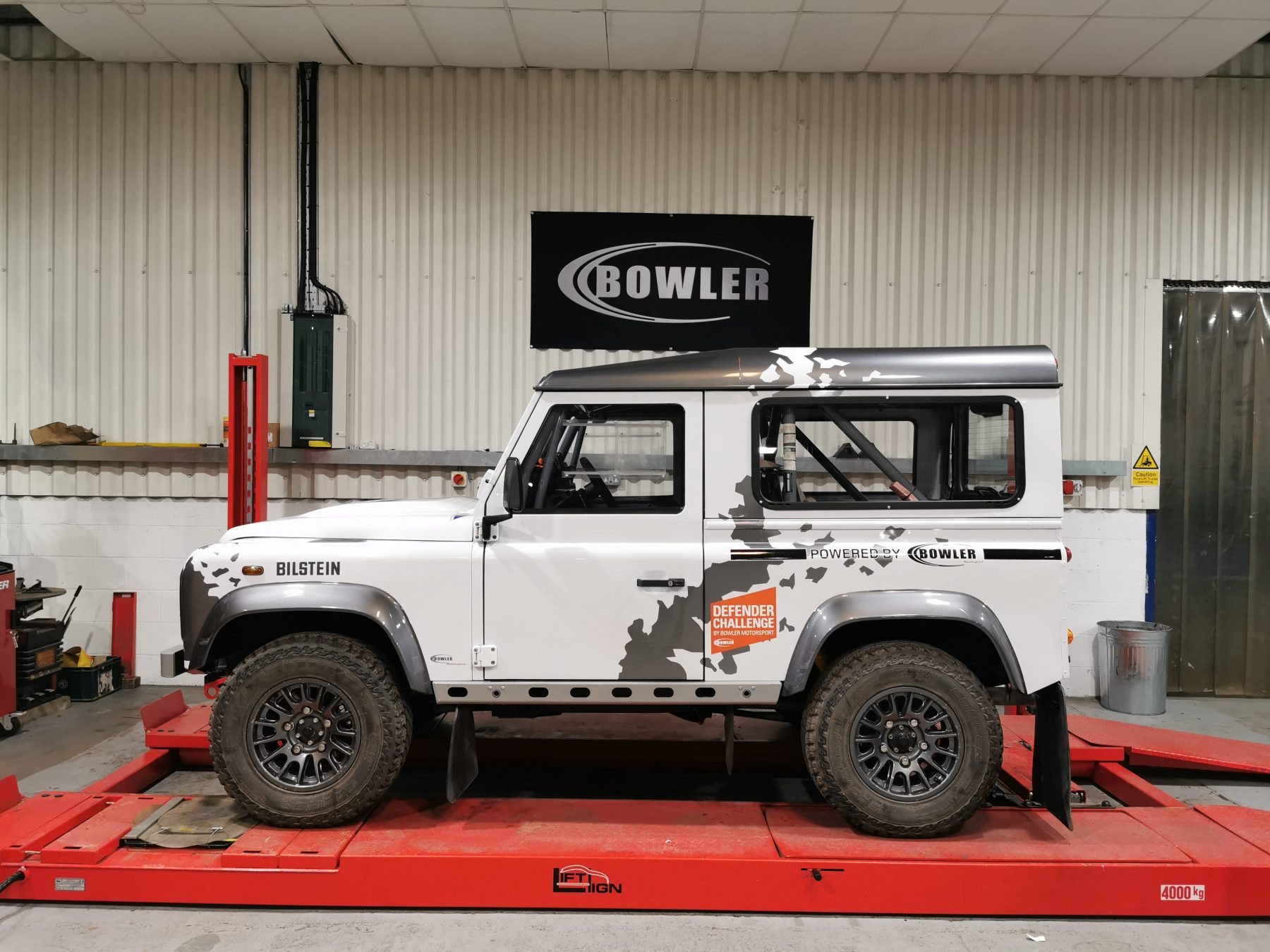 2013 Bowler Defender Challenge Car
